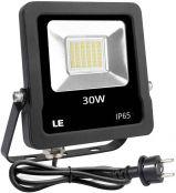 LE LED Strahler Außen, 30W LED Fluter mit Stecker, Superhell 2400LM 5000K Tageslichtweiß Außenstrahler, IP65 Wasserdicht LED Scheinwerfer, Flutlichtstrahler Außenlampe für Garten, Garage, Hof, Hotel