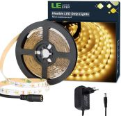 LE LED Streifen Set 12V 5m Selbstklebend, 3000 Kelvin Leiste mit 300 Stück 2835 LEDs, 8mm Breit, Flexibel DIY, Warmweiß LED Band inkl. Netzteil für Innen Heim Küche Dekoration